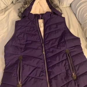 Purple puffer vest with fur hood XL